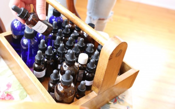 How-to-Begin-Your-Herbalist-Training-tinctures